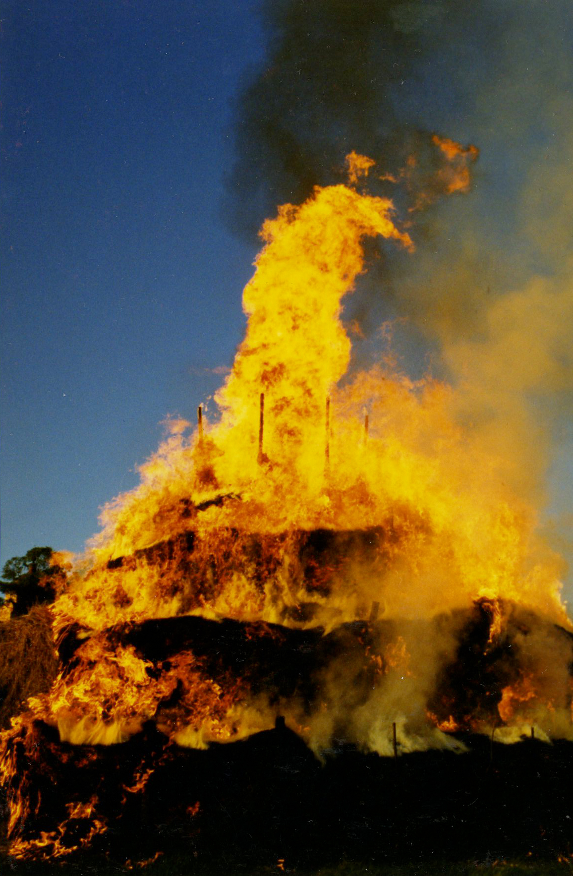 burning_hay_tower_01